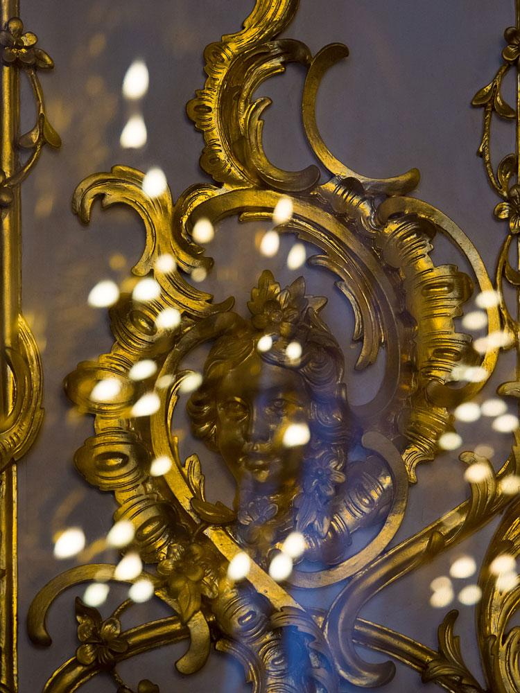 Carved decorations in Catherine Palace