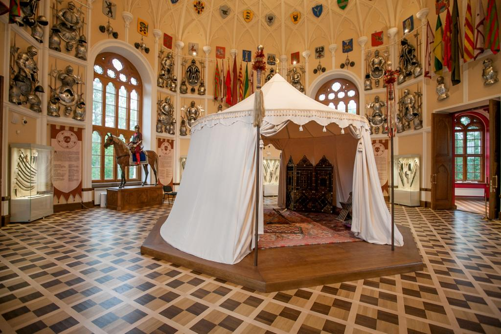 Tent in the center of the Knights Hall