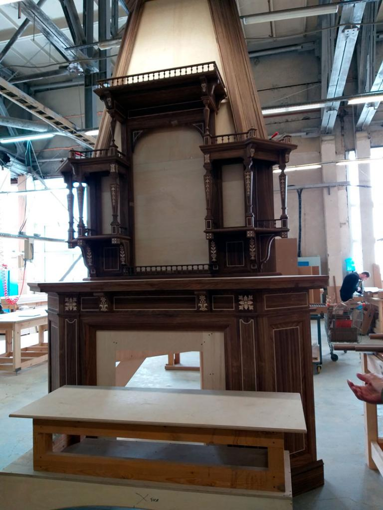 Re-creation of furniture set for Palisander Drawing Room